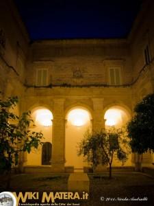 cortile_interno_museo_arte_medioevale_moderna_palazzo_lanfranchi_matera