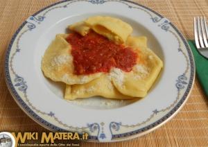 gastronomia_carnevale_calzoni_matera