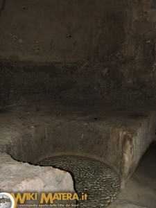 fondaco di mezzo ipogei piazza vittorio veneto WikiMatera Matera 00019